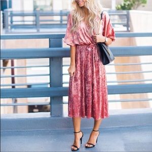 ✨ Everly Pink Crushed Velvet Kimono Dress 137